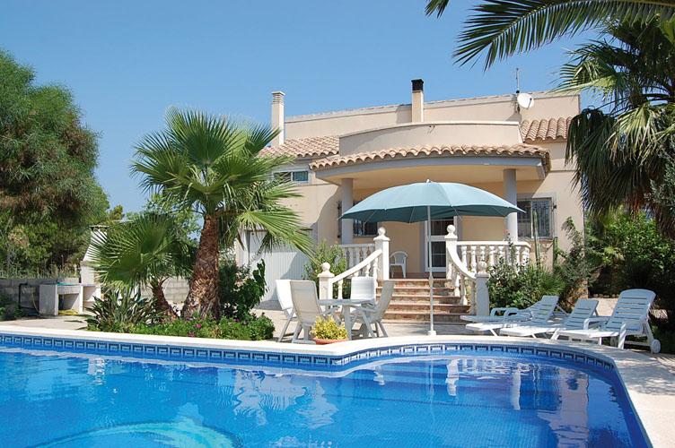 Haus am Meer mit Pool